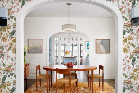 smart-art-interior-to-dining-space-with-botanical-flora-design-and-line-art-paintings