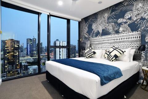 smart-art-leopard-and-boho-hotel-room-blue-design