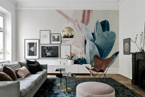 smart-art-lounge-interior-with-designer-oversized-leaves-wallpaper