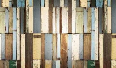 smart-art-planks-in-different-colours-old-vintage-look-wallpaper