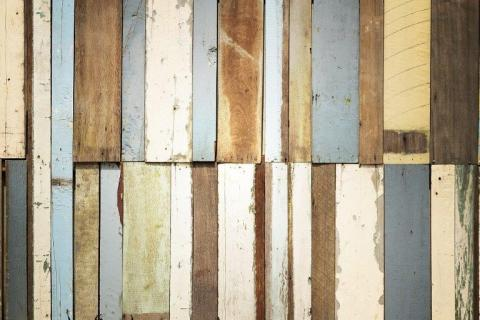 smart-art-wooden-planks-in-various-colours