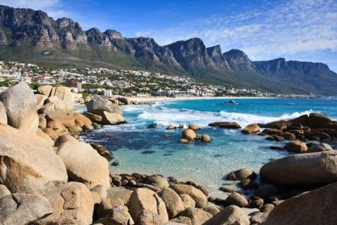smart-art-cape-town-12-apostels-lions-head-cable-car-sea-aloes-waterfront-mountains-western-cape-109
