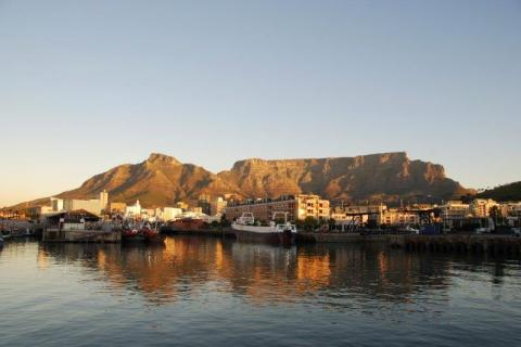 smart-art-cape-town-12-apostels-lions-head-cable-car-sea-aloes-waterfront-mountains-western-cape-111