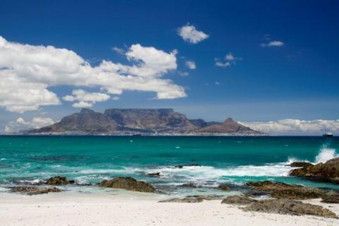 smart-art-cape-town-12-apostels-lions-head-cable-car-sea-aloes-waterfront-mountains-western-cape-124