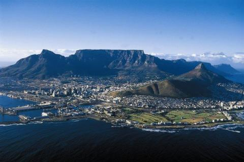 smart-art-cape-town-12-apostels-lions-head-cable-car-sea-aloes-waterfront-mountains-western-cape-127