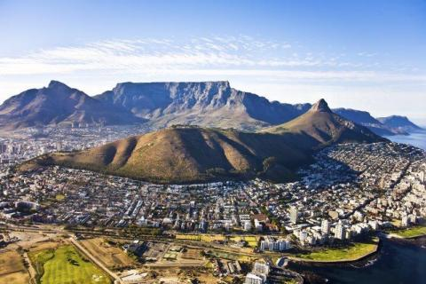 smart-art-cape-town-12-apostels-lions-head-cable-car-sea-aloes-waterfront-mountains-western-cape-129