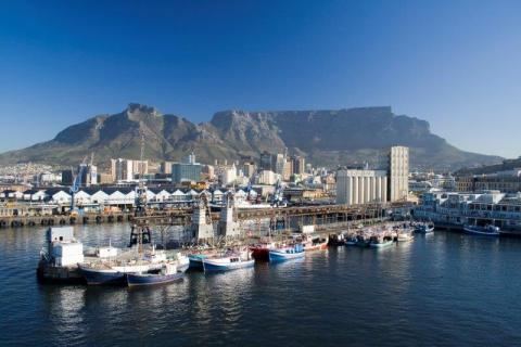 smart-art-cape-town-12-apostels-lions-head-cable-car-sea-aloes-waterfront-mountains-western-cape-134