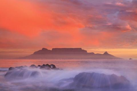 smart-art-cape-town-12-apostels-lions-head-cable-car-sea-aloes-waterfront-mountains-western-cape-142