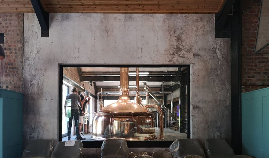 smart-art-wallpaper-installation-at-hey-joe-brewing-co-2