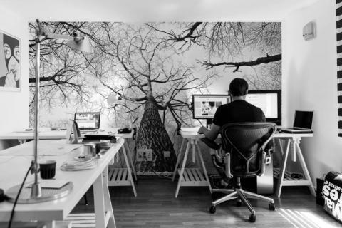 smart-art-bespoke-home-office-black-and-white-tree-wallpaper