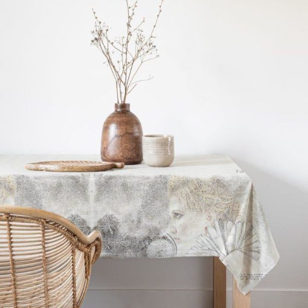 Table Linen Of Lost Love 3